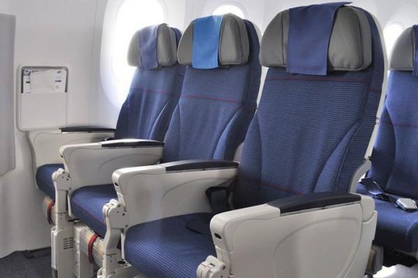 Vì sao ghế trên máy bay thường có màu xanh?