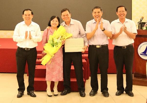 Tiệc tiễn Bí thư Tỉnh ủy Võ Thành Hạo về nghỉ hưu